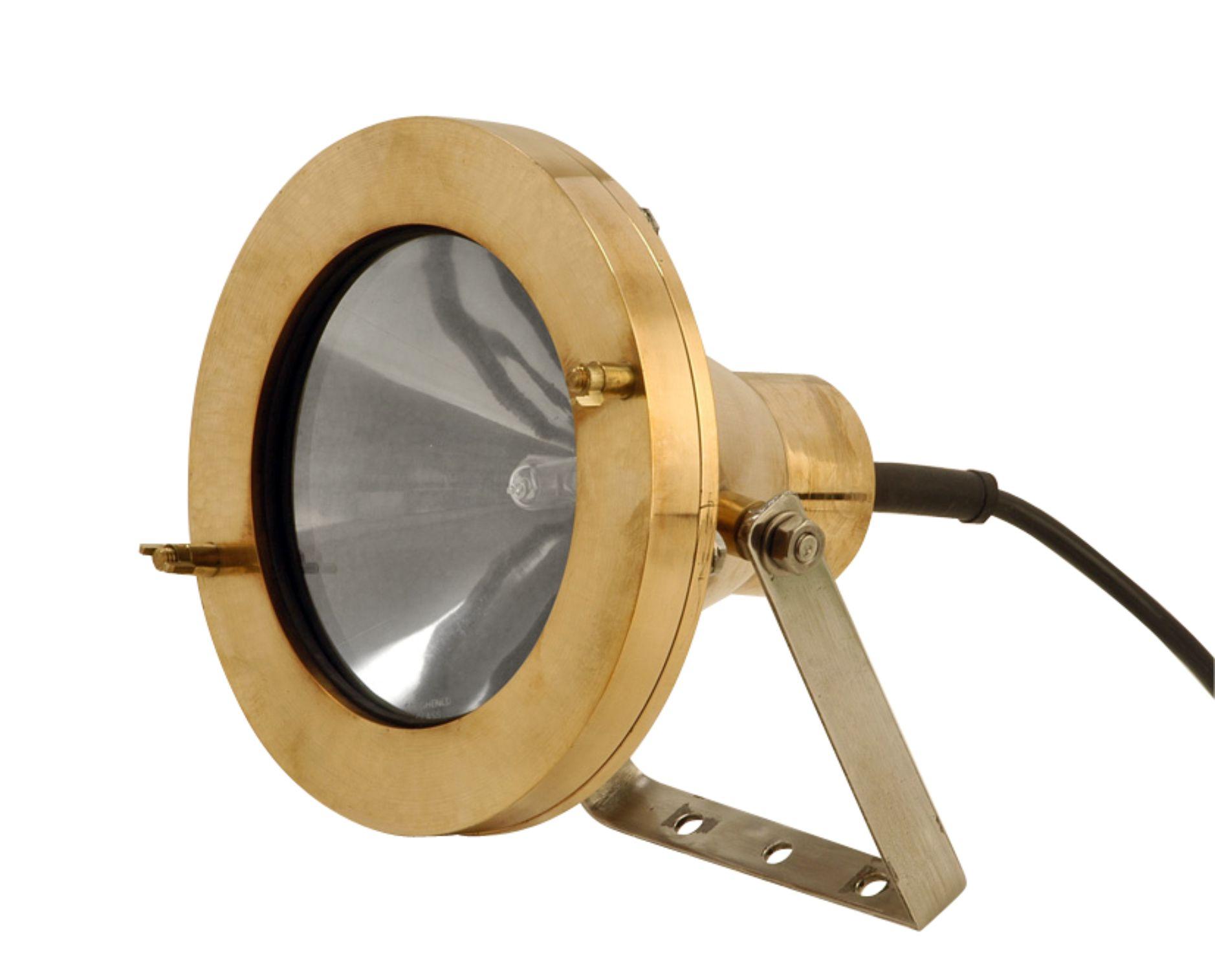 Aquascape  Light 2500